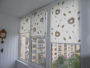 Установка рулонных штор на пластиковые окна в Оренбурге